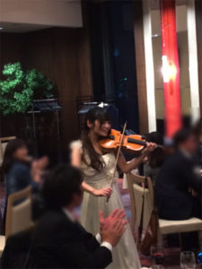 弦楽器の演奏風景